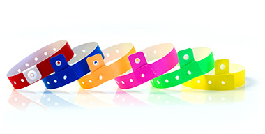 heroshot-plain-plastic-clip